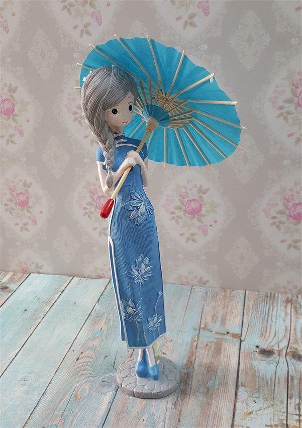 Şemsiyeli Kız Biblo 2