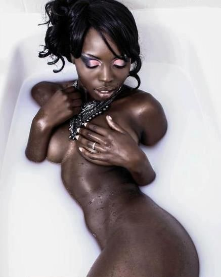 beuatiful nude black girls
