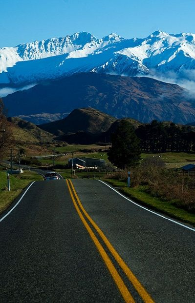 New Zealand road in mountains