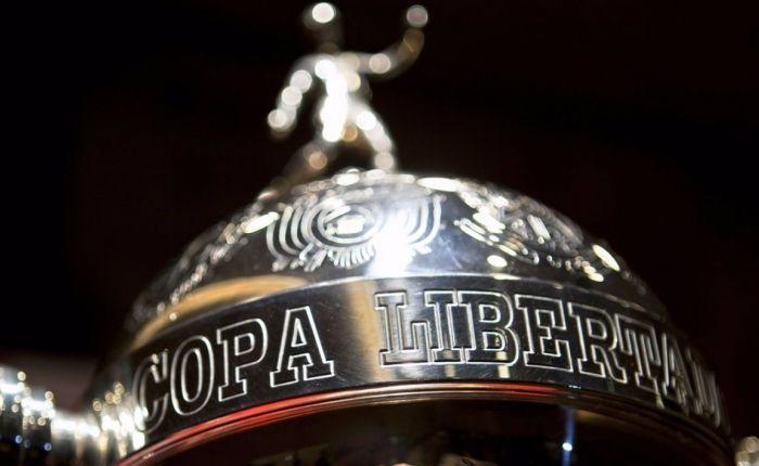 Santos e Chapecoense buscam a vitória nesta rodada da Libertadores, mas o objetivo é diferente. A Chape quer a classificação e o Peixe a liderança.