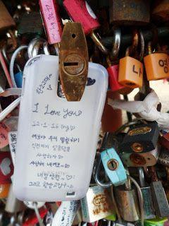 Pesan Romantis sepasang Gembok Cinta