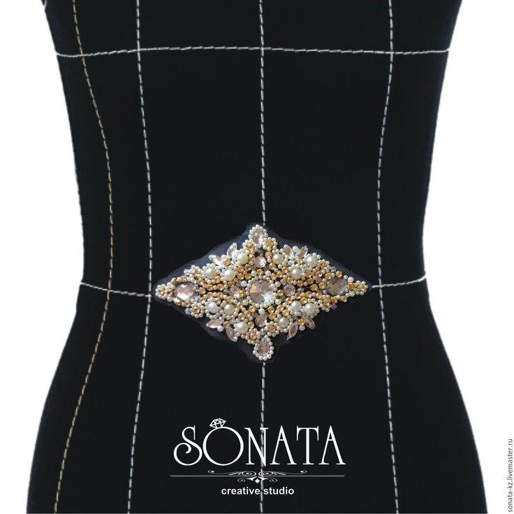 Аппликация к свадебному платью - SONATA - Ярмарка Мастеров http://www.livemaster.ru/item/15205555-svadebnyj-salon-applikatsiya-k-svadebnomu