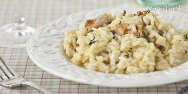 Talianske krémové rizoto z ryže arborio, pripravené na víne s Podravkou grill classic, môžete podávať len s úsmevom a dobrou náladou. Tá predsa k Taliansku patrí!