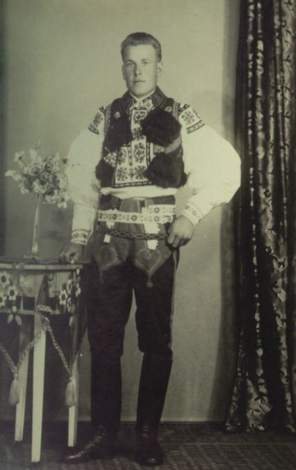Obec Hradčovice :: Kroj 1936