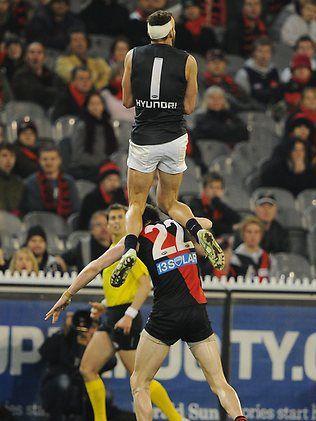 Carlton's Andrew Walker (reverse angle)
