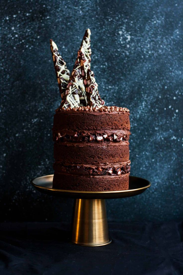 Rocky Road Layer Cake - a decadent layer cake combining chocolate sponge, rich ganache and festive rocky road! | eatloveeats.com