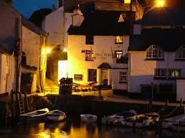 The Blue Peter Inn, Polperro - Walkers with wet doggies welcome! Log fires to dry off while you eat, drink and soak up the friendly atmosphere. Children also welcome, designated area upstairs, dogs welcome there also. On the quay side, fall out the door onto the beach or walk the coastal path in which ever direction you choose.