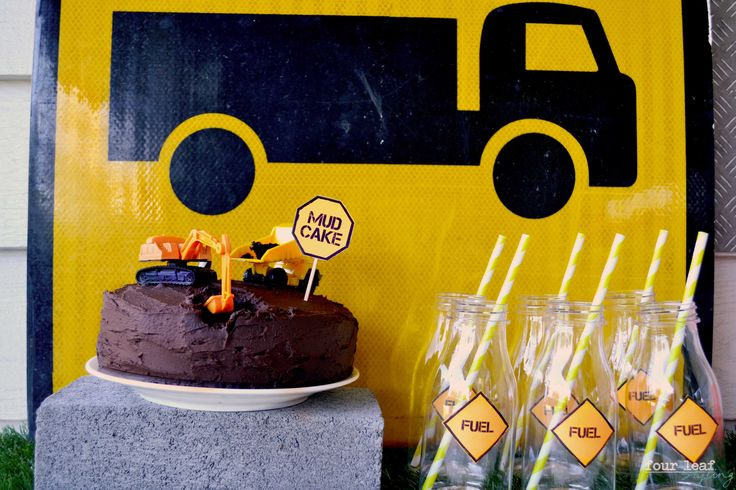 Danny's Construction Party | Mud Cake | Four Leaf Styling