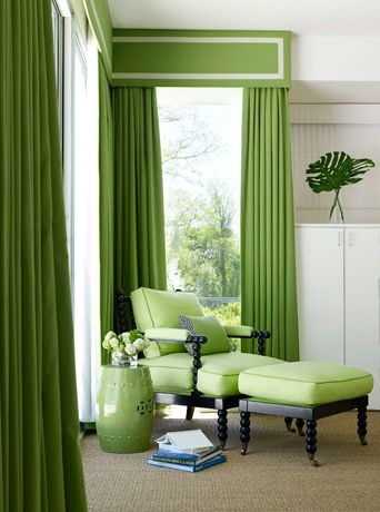 Kind of crazy for malachite or leaf green and white with black.  Fresh and bold.  Love how sisal carpet anchors colors.