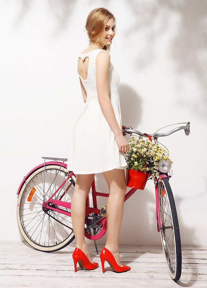 Mixray Sırtı kalp dekolteli elbise Markafonide 99,00 TL yerine 32,99 TL! Satın almak için: http://www.markafoni.com/product/3779504/