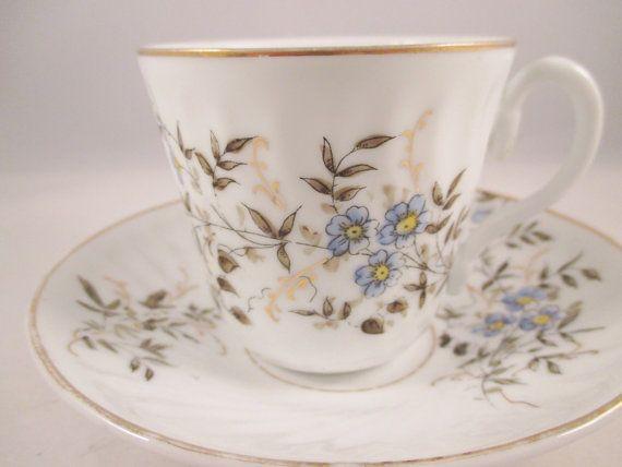 década de 1940 americano azul Floral taza de té/platillo, guarnecido de oro…
