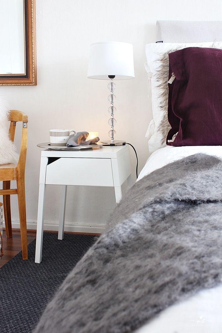 Vanhan ajan tuntua Old Chair Bedroom Decor Gold Mirror Petaus Bedding Mohair Huopa Pellavalakanat Linen