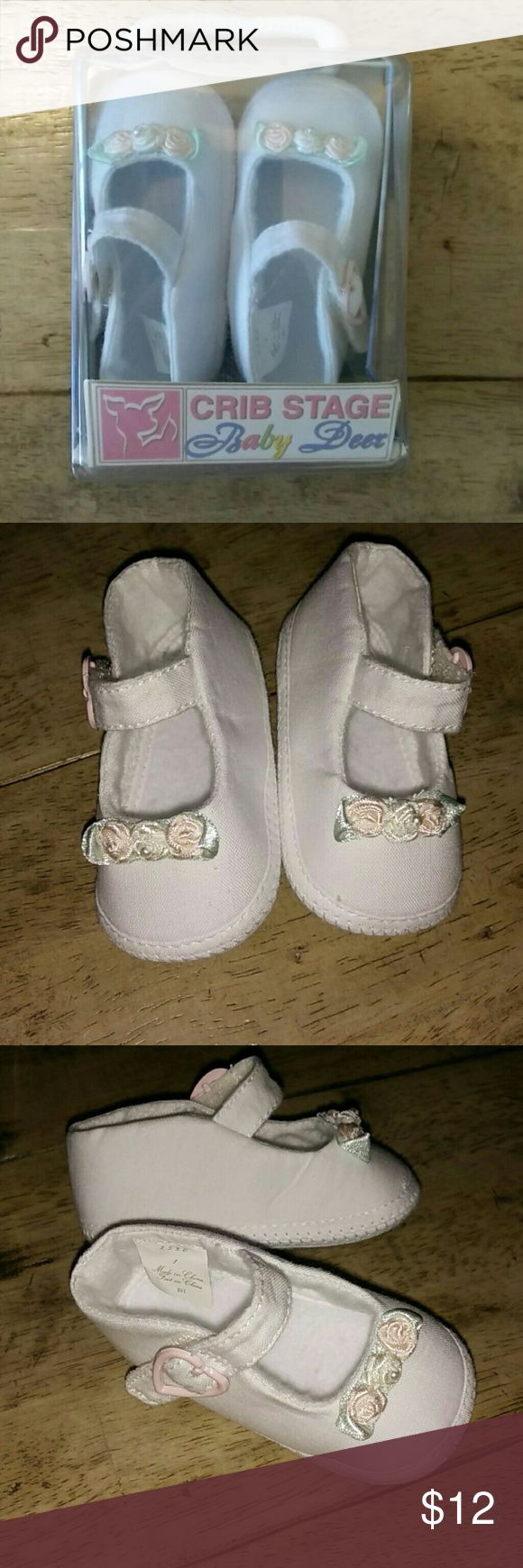 Excellent Condition! Adorable White Baby Shoes * Never been worn, In Excellent Condition with box * Baby Deer Crib Stage 1, Ages 6 wks - 3 mos * Soft White canvas with 3 flower rosettes on top * Velcro strap and cute light pink faux heart buckle Baby Deer Shoes Baby & Walker