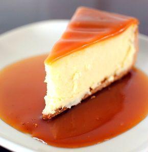 Base:  1.5 pacote de bolacha maria (300g)  150g de manteiga/margarina    Creme:  200g de queijo creme  50g de açúcar  1...