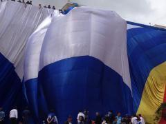 La bandera es la más grande del mundo y sigue siendo reconocida