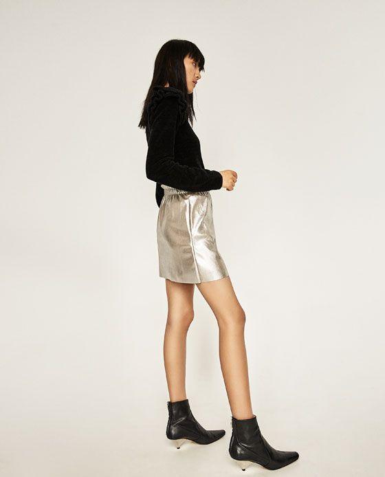 Image 4 de MINI JUPE EN SIMILI CUIR de Zara