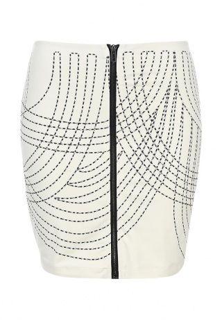 Стильная юбка-мини Bebe выполнена из мягкого эластичного материала, оформленного контрастной полоской и блестками. Детали: прямой крой, застежка-молния, тонкая подкладка. http://j.mp/1ryvueB