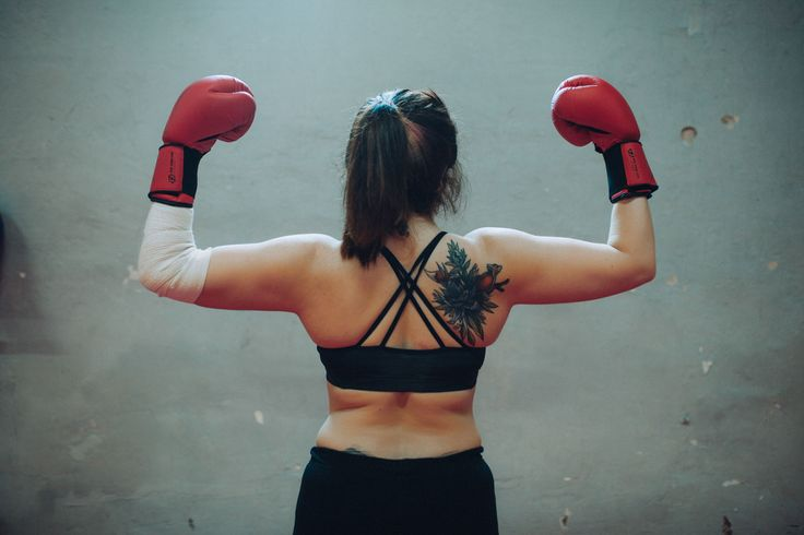 «В первый раз мне хорошо врезали по лицу»: кто и зачем ходит на женский бокс — Большая Деревня