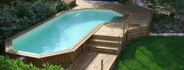 piscine entouré du bois