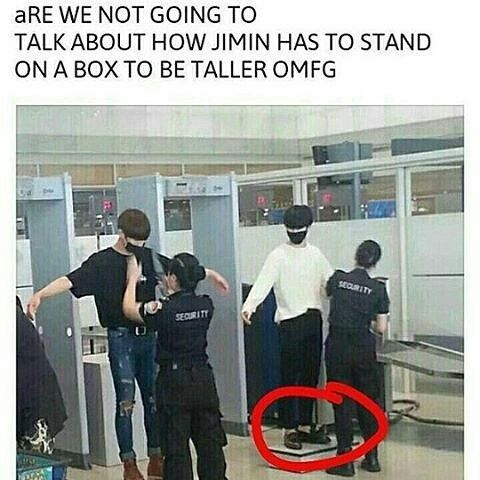 OMG SMOL JIMIN ♡♡♡♡HE HAS TO STAND ON A BOX TO BE TALL    But still his still handsome man!!!