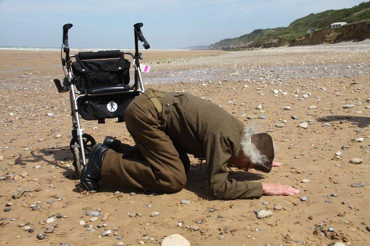 93-year old D-Day veteran Robert Blatnik returns to Omaha Beach in Normandy