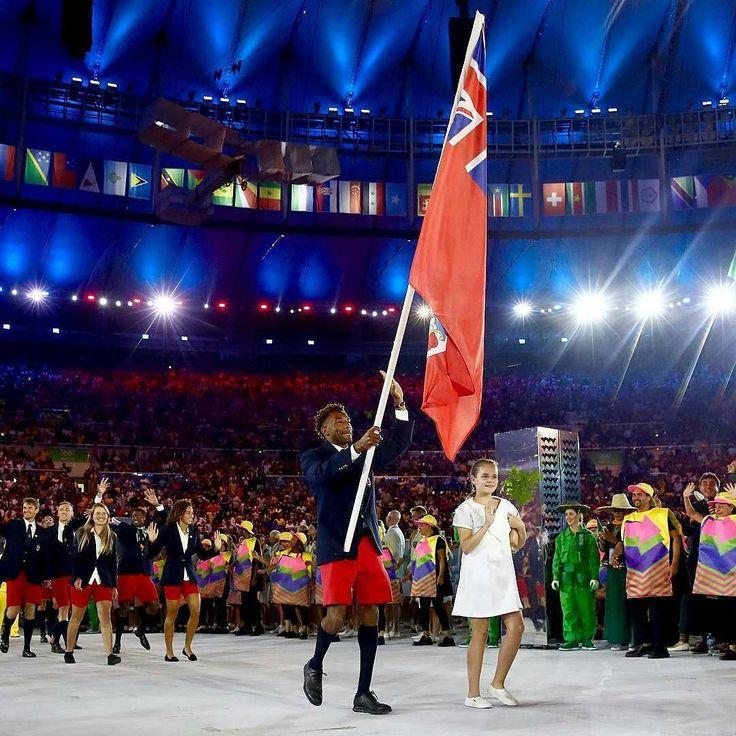 So proud and happy to see the Bermuda Team during the opening ceremonies last night! Always love the Bermuda shorts! Good luck as competition starts today! :@mdunkleybda #proudtobebermudian #olympics #bermuda #bermudapremier - @pingrann #WeareBermuda