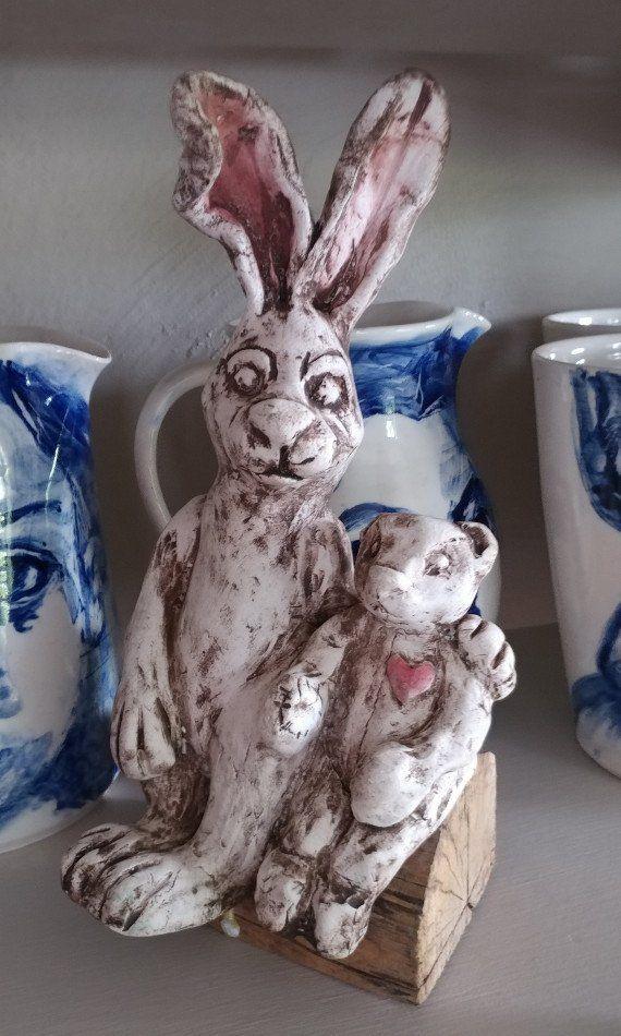 Sculptures hares - Alvi and peter