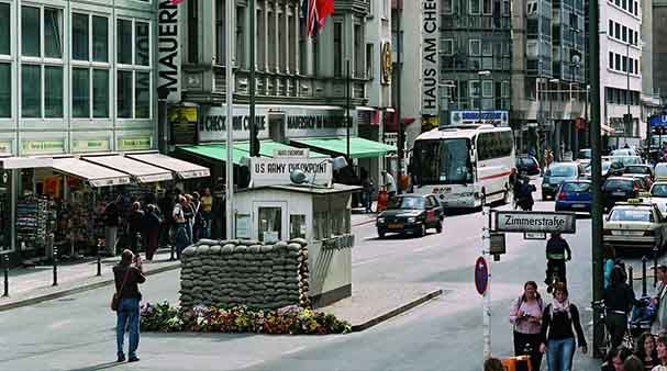 Checkpoint Charlie Museum - Mauer Museum - Free Entry With The Berlin Pass