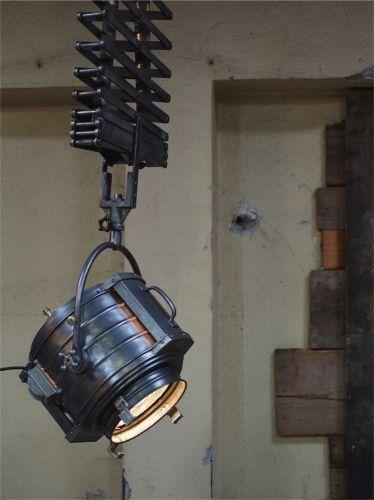 Rare projecteur cinema MCALISTER des studios Hollywood Californie suspendu SCISSOR light