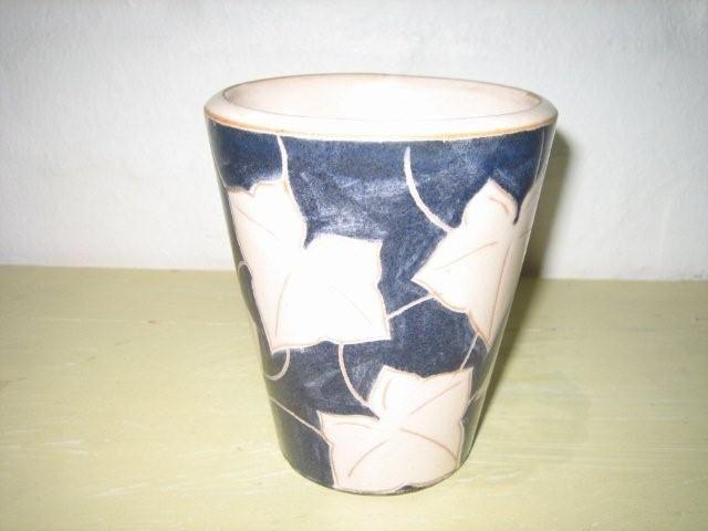 ESLAU vase - AGNETHE SØRENSEN. År/year 1940s. #klitgaarden #eslau  #nethe #danishdesign #danishceramics #danishpottery #danskkeramik #vase SOLGT/SOLD on www.klitgaarden.net..