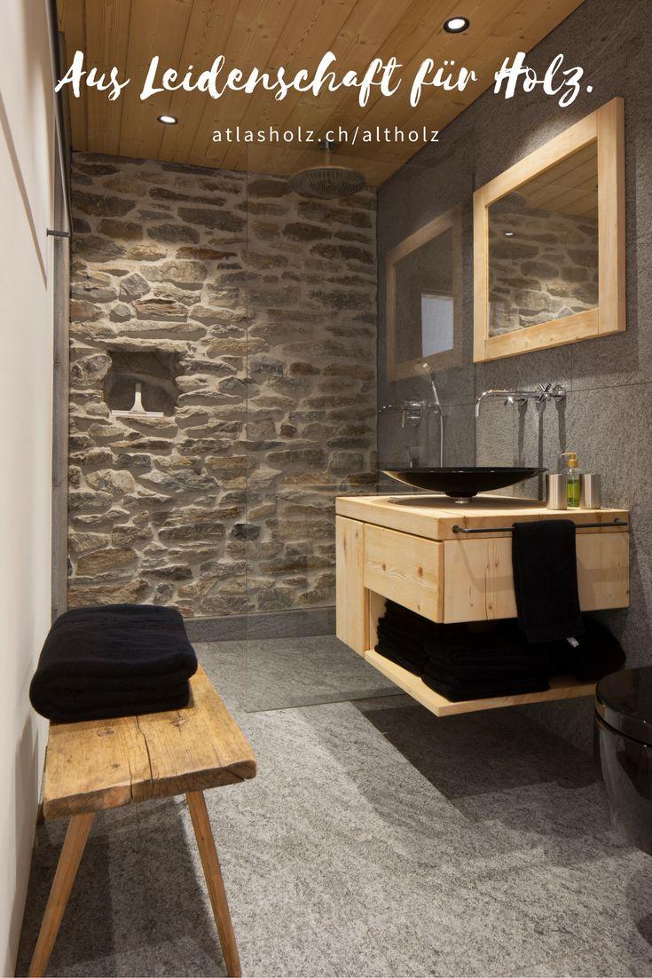 Badezimmer-Möbel aus Altholz Fichte/Tanne leicht gebürstet – schlicht und einfach in Kombination mit Stein