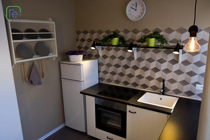 Prima e dopo: Come ristrutturare un appartamento degli anni 70 http://www.repiuweb.com/index.php/new-blog/97-prima-e-dopo-come-ristrutturare-un-appartamento-vecchio