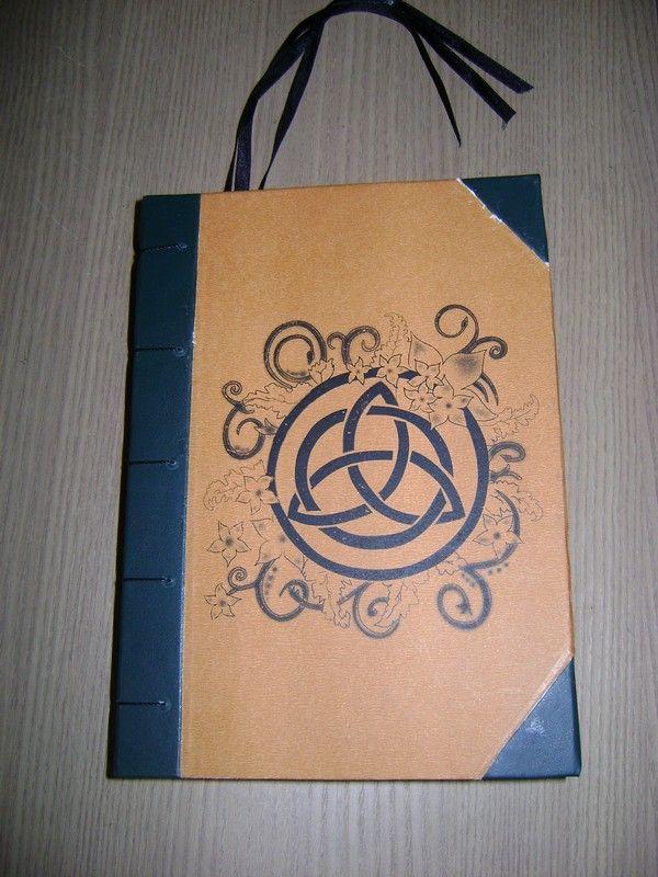 Livro das Sombras que fiz sob encomenda.