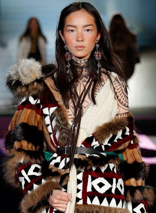 Les fourrures inuits du défilé Dsquared²