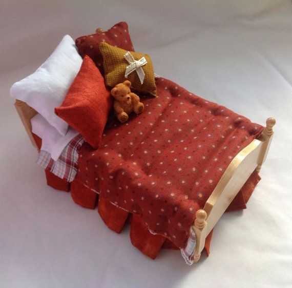 DOLLS HOUSE MINIATURES - 1/12TH SCALE    Dolls House Single Bed - Jamie    Pine Wood Single Bed Hand with terracotta fabrics and coordinating