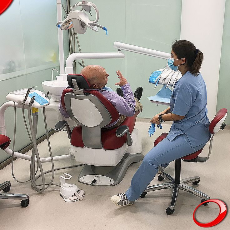 We want to see Portugal smiling, and this is only possible with a programme that offers accessible benefits. ........................... www.dinp.co.uk (For more info or to schedule a evaluation query, send your contacts by private message) #dentist#implants#smile#clinic#health#healthy#qualityoflife