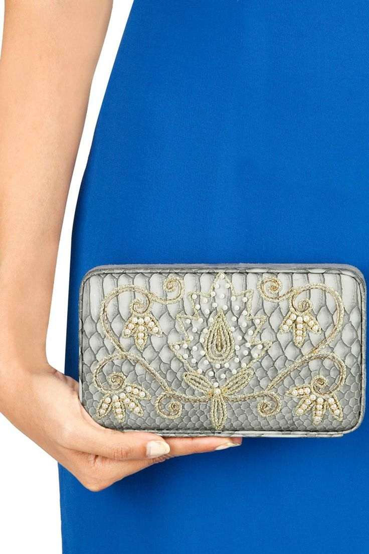 17 Best images about SS16 EVENING CLUTCHES on Pinterest | Beaded ...