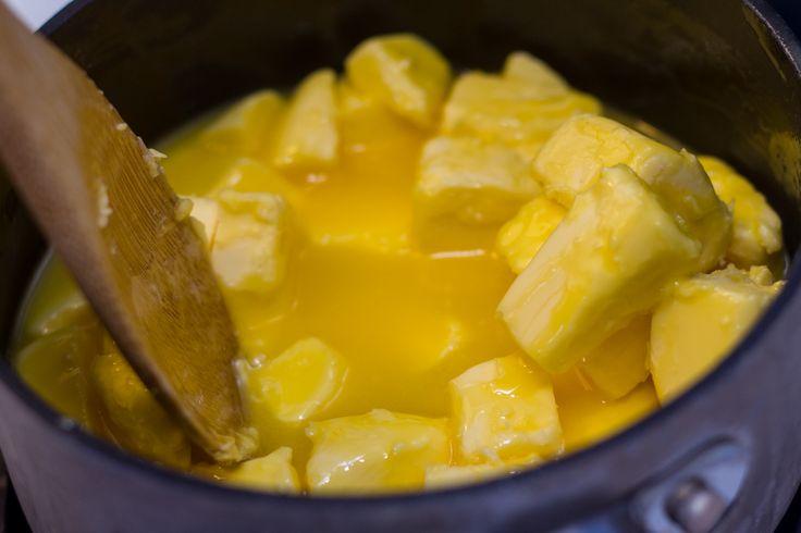 Ghí je sanskrtský termín pro přečištěné nebo-li přepuštěné máslo a ayurvédou je považováno za elixír života. I když se z másla připravuje, má zcela jiné vlastnosti než obyčejné máslo. Ačkoliv na Západ