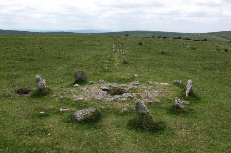 Merrivale kistvaen & stone row, Dartmoor