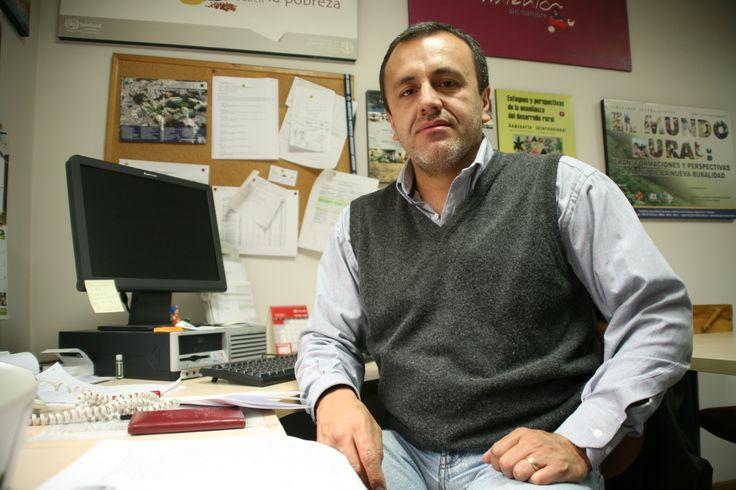 Sociólogo Investigador Manuel Enrique Martínez