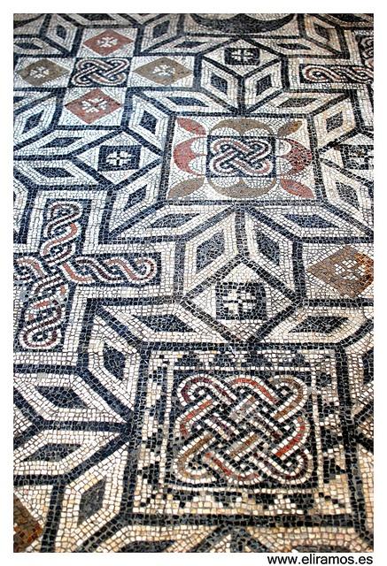 El suelo del Palacio de Lebrija by EliMaceiras, via Flickr #vivensevilla