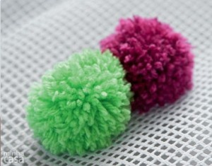 tapete pompom: Pompom Rugs, Crafts Ideas, Tapet Pompom, Tapet De, Tapete De, Ideas Crafts, Diy, Crafty Ideas, De Pompon