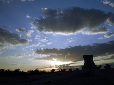 Sur les ruines du temple d'Amon. April 4th, 2004, 6 pm, Siwa Oasis, Libyan Desert, Egypt. (© Vincent Battesti) [20040404181614-vbat]