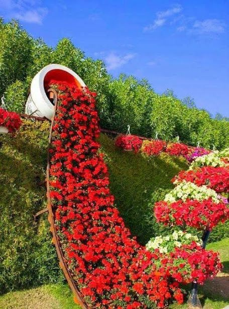 red flowers Plant Sculpture Topiary Art Garden