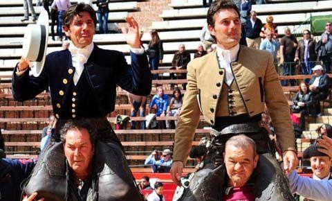 Cuatro orejas Ventura y dos Andy en un gran espectáculo - mundotoro.com #rejones #Valencia #Fallas #Ventura #Andy