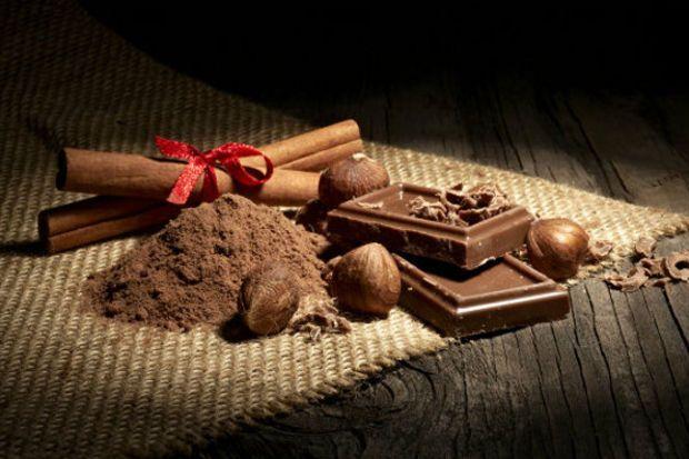 Tam bir çikolata cenneti bir yer olan Belçika, yaklaşık 13 tane çikolata fabrikası bulunmaktadır. #Maximiles #Belçika #Belgium #gurme #BelgiumMutfağı #gurmeseyahati #food #yemek #yemekler #seyahatrehberi #lezzetliyemekler #farklılezzetler #çikolata #chocolate