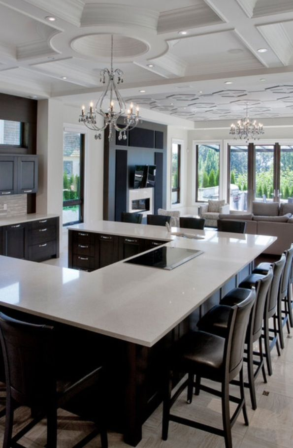 Love this layout for entertaining - change kitchen cabinets to white
