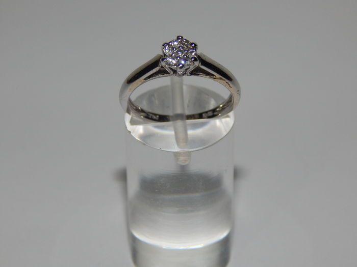 Dames bloem cluster 0 15ct diamond ring in 18k White Gold - 51mm omtrek  EUR 25.00  Meer informatie