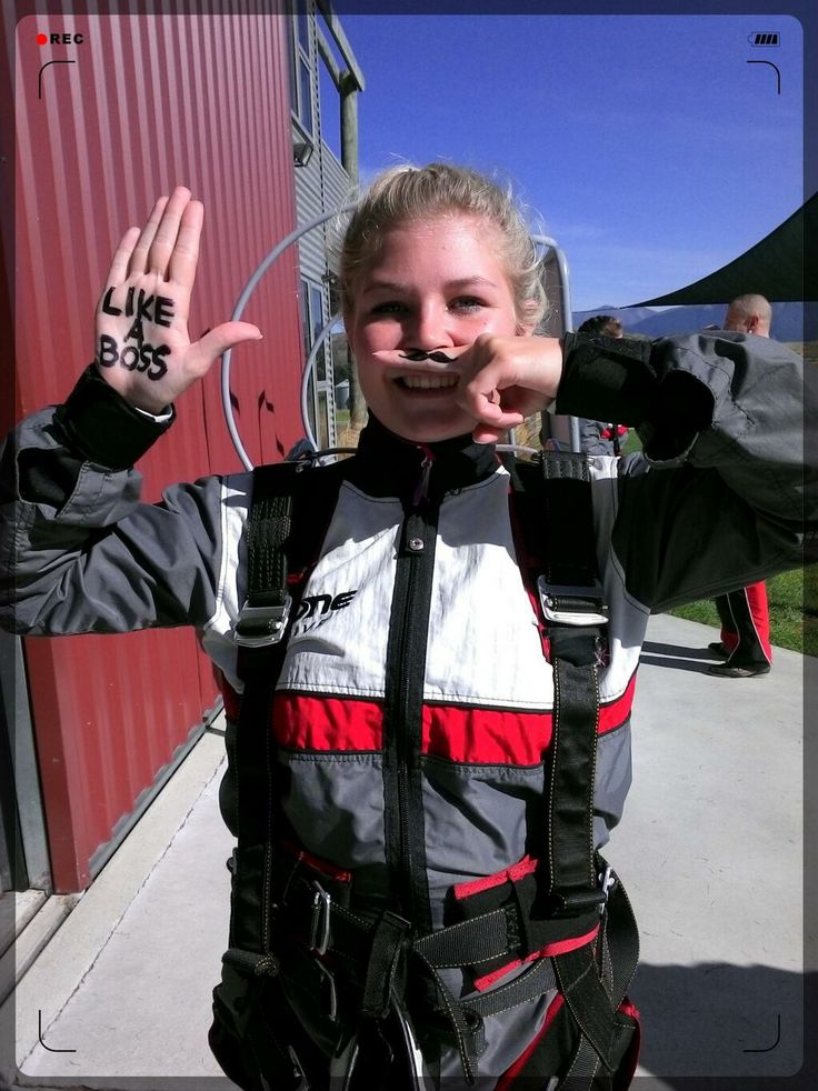 Skydive just like a BOSS! Nice moustache #gigatownqueenstown