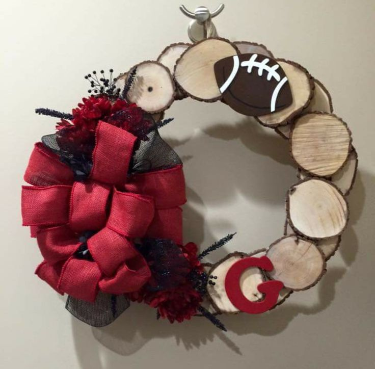 Wood Slice Wreath I made for charity. Georgia Bulldogs